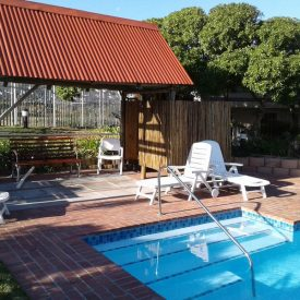 Well maintained pool with easy access